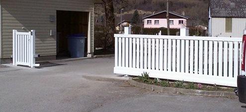 bois pvc alu quel portail est fait pour vous le mag de l 39 habitat. Black Bedroom Furniture Sets. Home Design Ideas