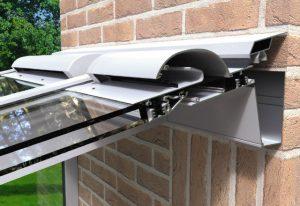 Aérateur intégré dans la véranda pour une ventilation naturelle