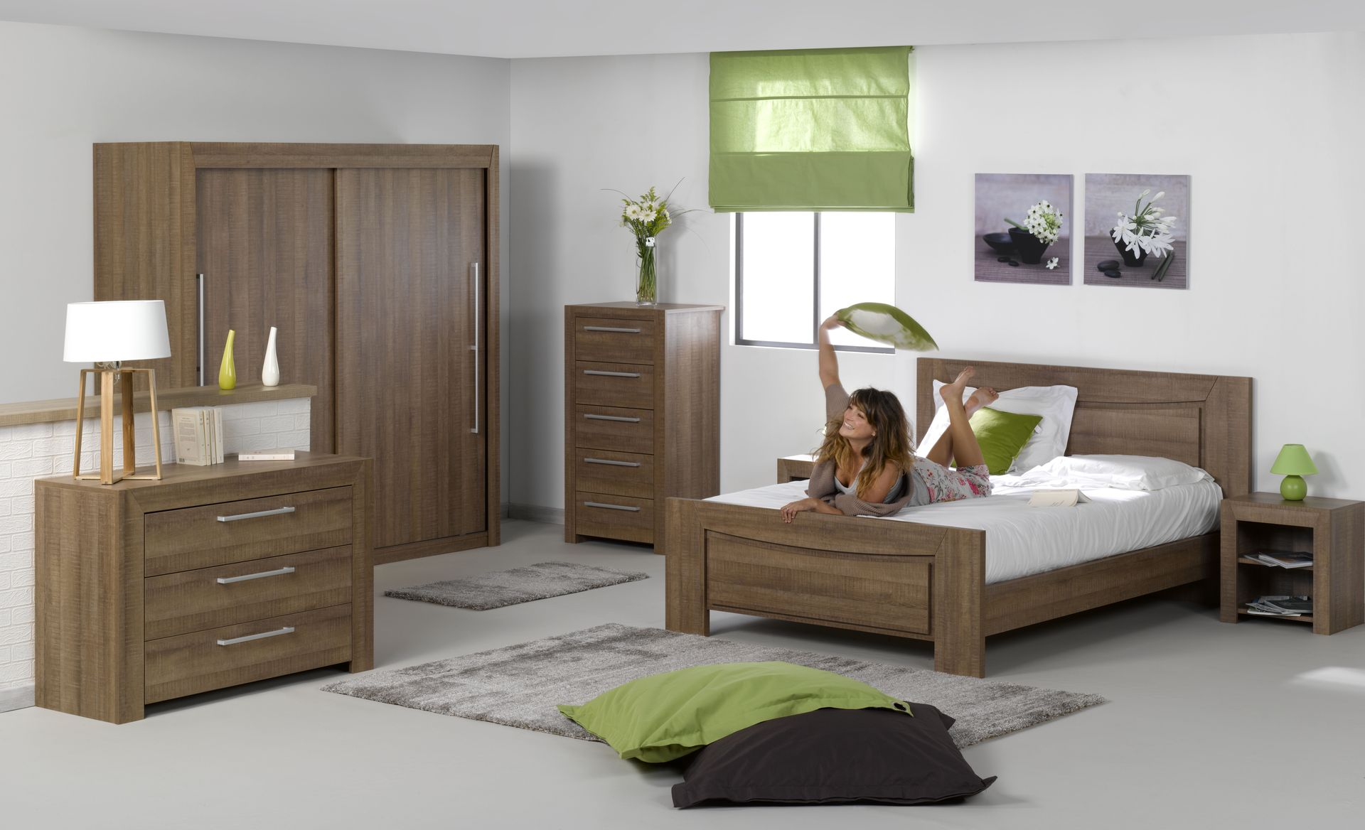 comment personnaliser sa chambre coucher le mag de l 39 habitat. Black Bedroom Furniture Sets. Home Design Ideas